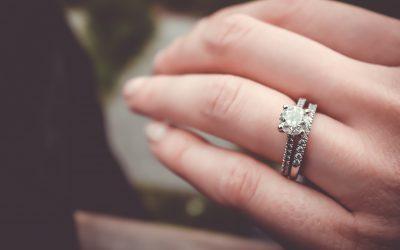 Velikost zásnubního prstenu – jak ji správně změřit?