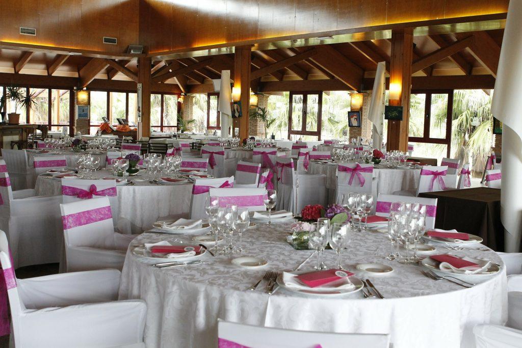 Koho pozvat na svatbu? Myslete také na kapacitu svatebního místa