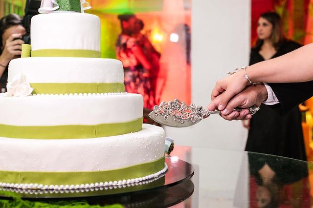 Svatební zvyky. Jaké by neměly chybět na vaší svatbě a co znamenají?